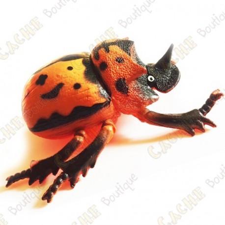 "Cache ""Bestiole"" - Gros scarabée orange"